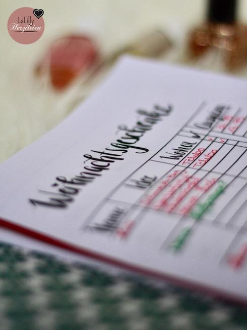 """Ein Traveller-Notebook nähen ist ganz leicht. Es ist eine sehr flexible Art von Planer. Näh dir mit dem Freebook """"Journal Alma"""" deine Kalenderhülle selber. Ein schnelles DIY-Geschenk."""