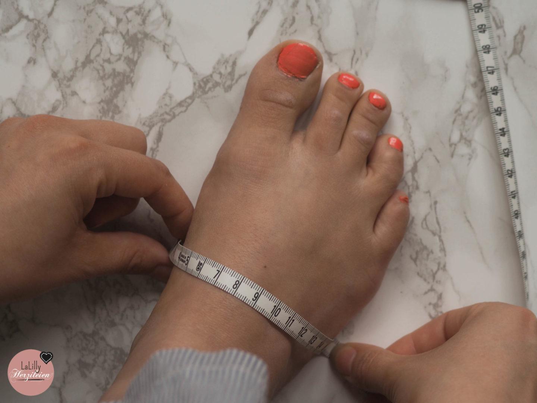 Im zweiten virtuellen Treffen zum Espadrilles Sew Along geht es um die konkretisierten Pläne und Probleme, die beim Nähen der Espadrilles aufkommen können. Wie kann man zum Beispiel verhindern, dass die Spitze der Schuhe durchscheuert oder den Schnitt für einen hohen Spann anpassen?