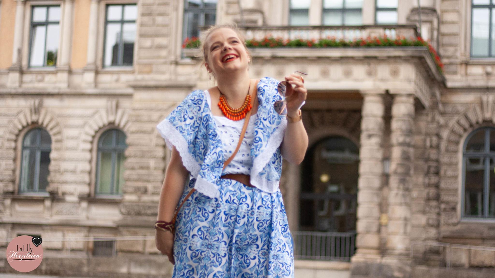 Porzellanmuster- Kleid nähen: Hiboho aus Viskose im Hippie Style