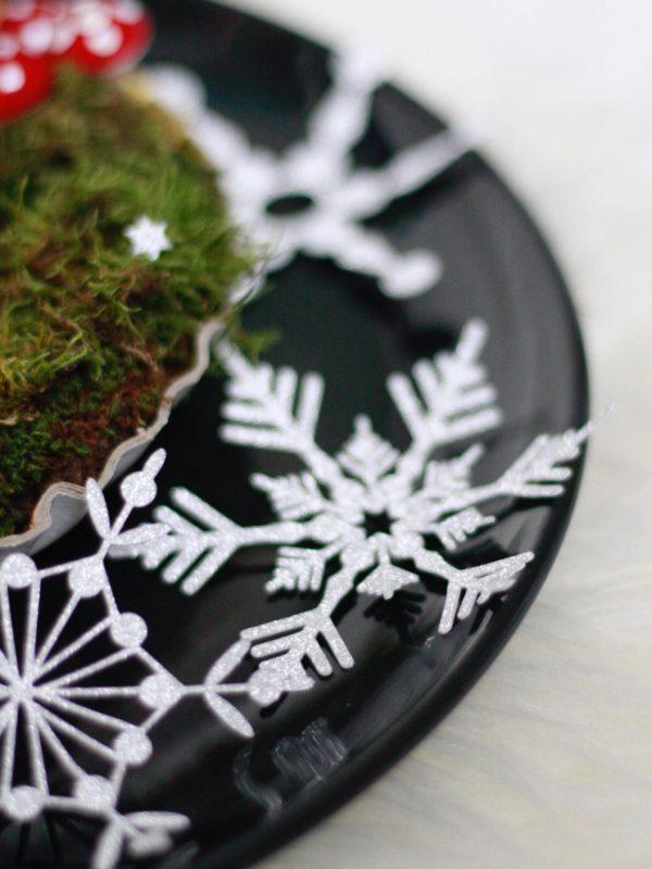 Plotte dir den Winter herbei mit den filigranen Schneeflocken! Die Plotterdateien sind einfach zu schneiden und machen viel her!
