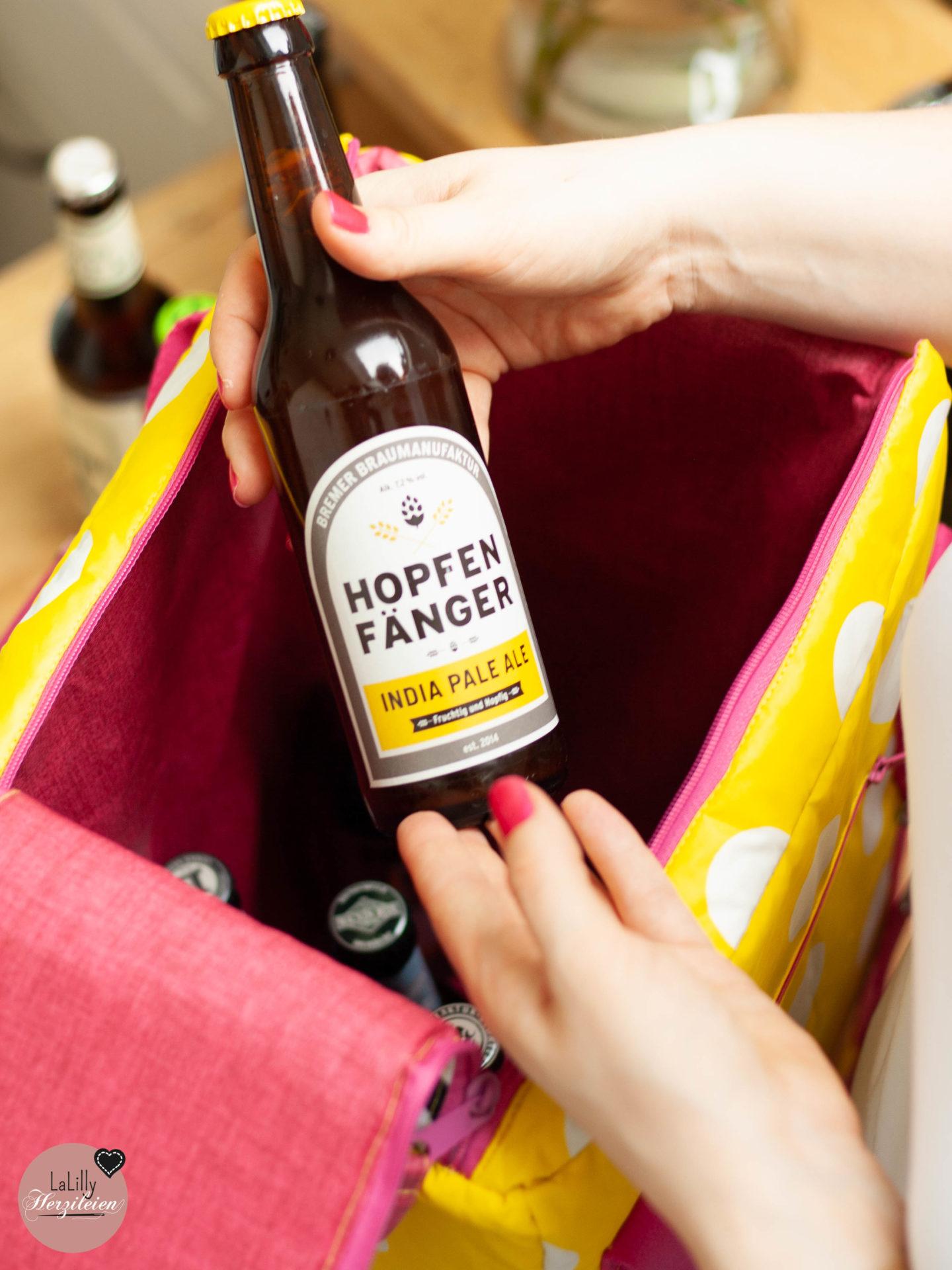 Anzeige: Das perfekte Geschenk für einen echten Bier-Fanist das Deutschlandpaket von BierSelect. Ein toller Anlass eine Kühltasche nähen zu können. Schon bald erscheint die Coolbag Nevera