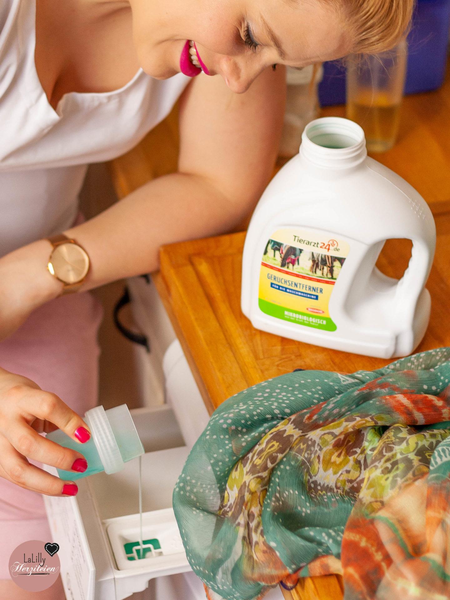 Selbstgenähte Kleidung richtig pflegen ist einfach und erhält dir lange die Freude an deinen Nähstücken. 5 Tipps für langlebige DIY Fashion, damit du ohne Angst waschen kannst!
