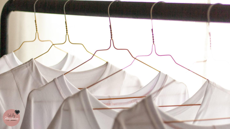 Das T-shirt ist Kernstück vieler Styles und Kleiderschränke. Es gibt unzählige Schnitte zum Basic-Shirt nähen. Fünf stelle ich dir genauer vor!
