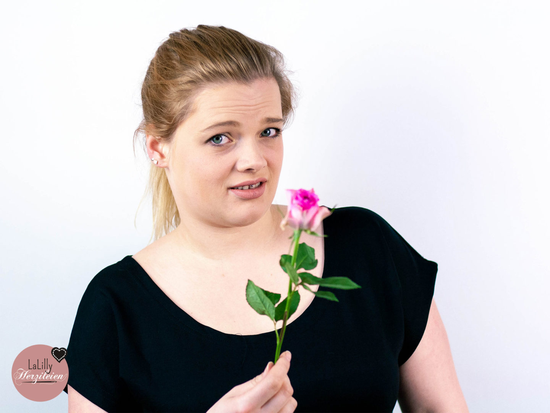 Blumen und Rabatte zum Weltfrauentag? Finde ich scheiße, und ich erklär dir gern warum!