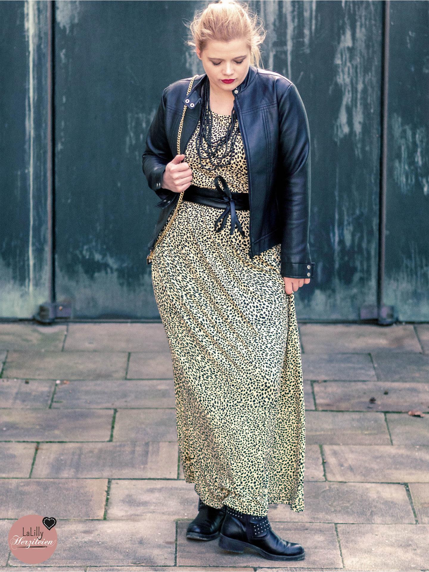 Kennst du das süße Kleid Clyde von Unikatze? Du kannst es ganz einfach als Maxikleid nähen! In meinem Beitrag erkläre ich dir wie!