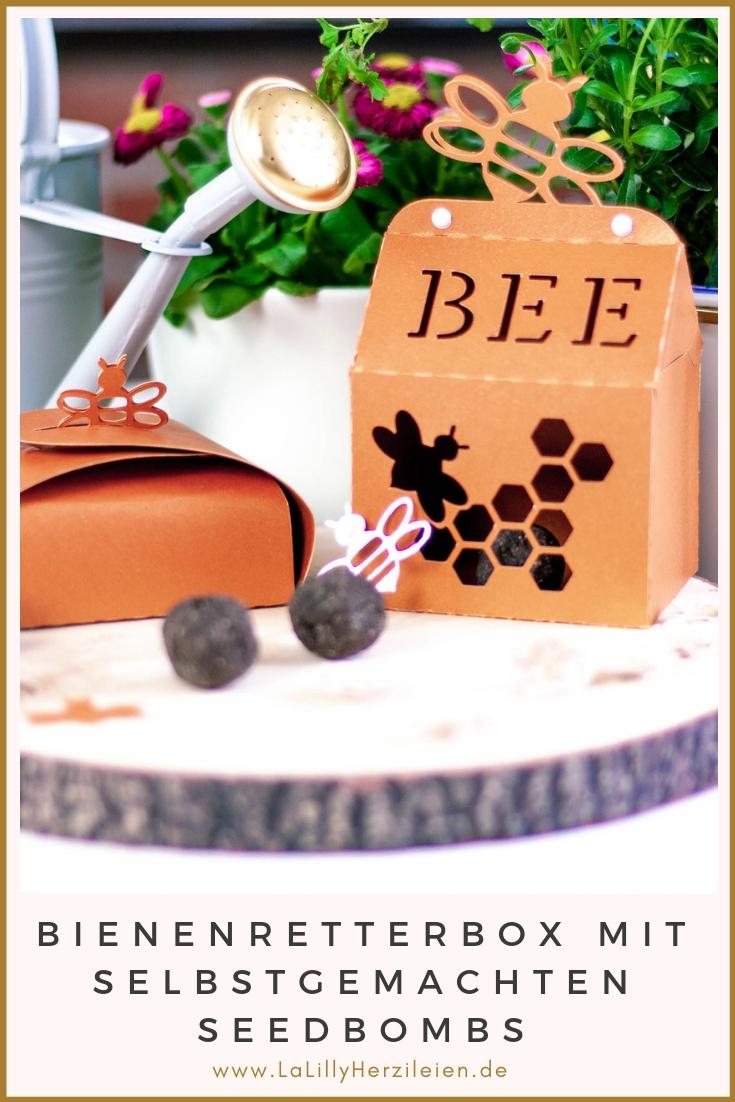 Die Anzahl der Bienen, besonders wilder Arten, nimmt stetig ab. Auf dieses Thema aufmerksam zu machen, erweckt jedoch schnell das Gefühl eines erhobenen Zeigefingers. Mit einer Bienenretter-Box mit selbstgemachten Seedbombs kannst du dein Anliegen auf nette Art verpacken: Ein einfaches Mitbringsel für Freunde und Bekannte mit Garten, um sie zu sensibilisieren und den Spaß an der Insektenfreundlichen Gartengestaltung zu wecken!