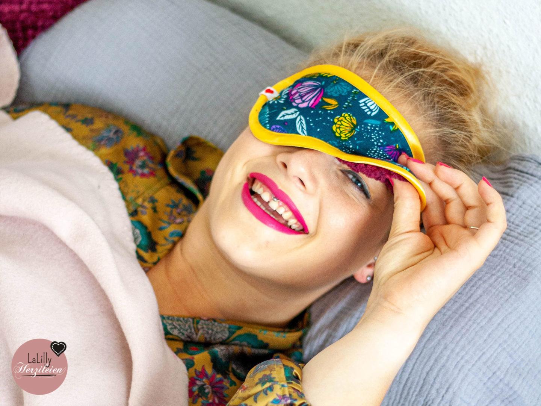 """Anzeige: Mit dem tutorial für """"Sueno"""" kannst du eine Schlafmaske nähen um sie zu verschenken oder selber zu nutzen. Ich wünsche dir viel Freude beim Nacharbeiten!"""