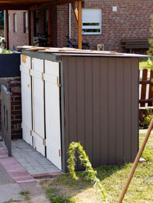 Anzeige: Mülltonnenbox selber bauen – aus alter Vertäfelung