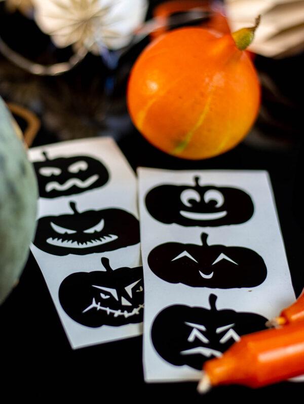 """Mit dem Plotterdatei-Set """"halloween Kürbisse"""" kannst du sechs gruselig-lustige Kürbisgesichter plotten!"""